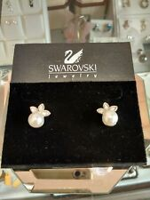 Pearl Earrings Leaf Swarovski Crystal, Collection Pearl and Leafs w/ Box Discont
