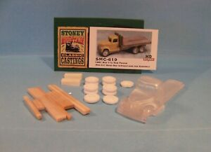 SMC-619A 1951 REO 2-1/2 Ton Truck w/14' Wood Bed HO-1/87th Scale Clear Resin Kit