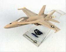 F18 HORNET VINTAGE MCDONNELL DOUGLAS FACTORY MODEL JET AIRCRAFT DESK DISPLAY