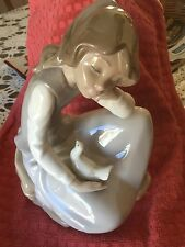 """Nao by Lladro Spain """"Girl With Dove On Her Lap"""" 9.5"""" Tall"""