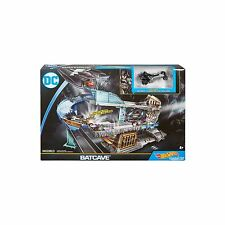 MATTEL-HOT WHEELS DC Comics Batman Bat-Caverna Playset-Nuovissimo