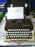 Vintage Royal Safari portable typewriter in Gray with matching case – 60's 70's