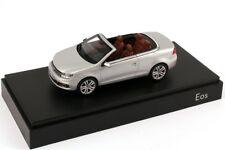 VW EOS II SPORT TSI TDI 2012 FACELIFT REFLEX SILVER 1:43 KYOSHO (DEALER MODEL)
