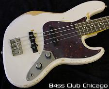 Fender Flea Signature Road Worn Jazz Bass Shell Pink