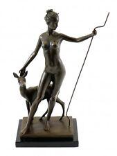 Bronzefigur Mythologie - Diana mit Reh - sign. McCartan