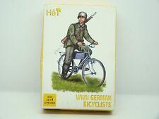 HAT - AIRFIX - ITALERI - WWII GERMAN BICYCLISTS - 1/72 - REF: 8119 -