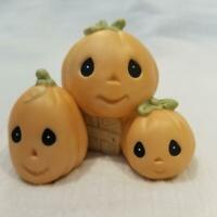 """PRECIOUS MOMENTS THREE PUMPKINS ON CRATE FROM """"FALL FESTIVAL"""" 2000 SET 732494"""
