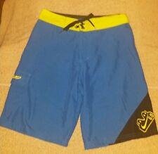 Nike 6.0 blue black and green board shorts size 25 waist boys teen mens