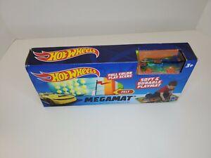 Mattel Hot Wheels Megamat Full Color Play Scene Soft & Durable Felt W/ Car
