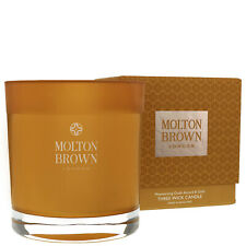 Molton Brown Mesmerising Oudh Accord & Gold Three Wick Candle 480g gift set