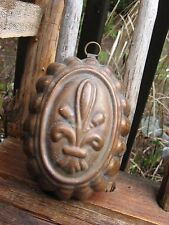 antique cute SCALLOPED copper kitchen mold primitive~shabby country decor old