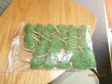 BAG OF UNKNOWN MAKE N-SCALE TREES--20 IN BAG
