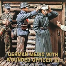Jaguar Models 1/35 German Medic with Wounded Officer (2 Resin Figures) - 63101