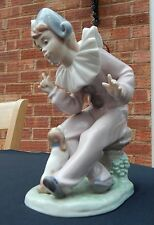 LLADRO NAO FIGURINE - DAISA 1989 - PIERROT/CLOWN WITH SITTING DOG - MINT