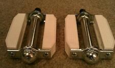 "NEW WHITE BLOCK PEDALS 9/16"" BMX CRUISER CHOPPER BICYCLES"