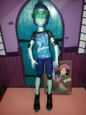 MONSTER HIGH poupée garçon Gillington Gil Webber  Wheel Love Roller neuve Gill