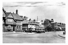 pt5528 - Wakefield , Agbrigg Road with Bus , Yorkshire - photo 6x4