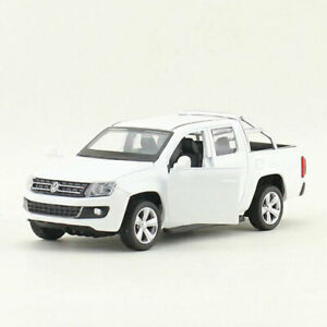 1/46 VW Amarok Pickup Truck Model Car Diecast Toy Vehicle Gift Collection White