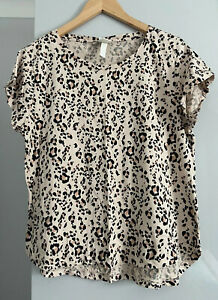 H&M Animal Print Top Tshirt Size M VGC