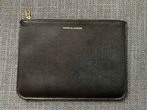 Comme des Garcons Classic Pouch/Wallet Black Leather And Gold Logo