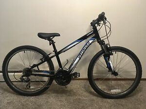 Specialized Hotrock 24 21-speed Kids Bike Black White Blue Used Excellent Shap