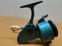 Vintage Fishing Spinning Reel- PENN 704 Greenie
