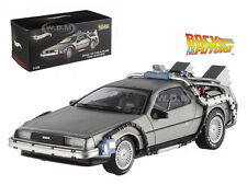 DELOREAN DMC-12 BACK TO THE FUTURE TIME MACHINE 1/43 BY HOTWHEELS X5493
