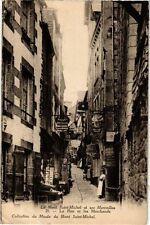CPA  Le Mont Saint-Michel et ses Merveilles -La Rue et les Marchands   (245800)