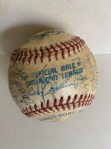 1993 Milwaukee Brewers Team Signed Official AL Baseball by 24.