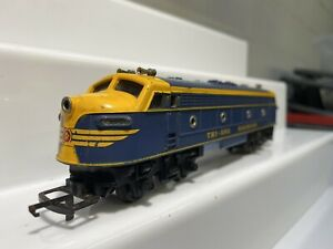 TRI-ANG BLUE-YELLOW TRANSCONTINENTAL DOUBLE ENDED DIESEL POWERED MODEL R159
