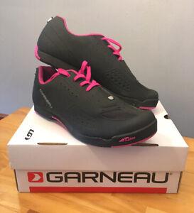 New! Louis Garneau Women's Urban Cycling Shoe Black/Pink Size 43 US 11.5