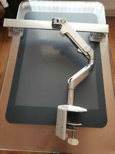 Humanscale M8 Crossbar Dual Double Desk Mount Monitor Arm Universal Desk Clamp