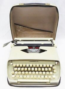 Engadine 44 TYPEWRITER With case / CURSIVE LETTERS - WORKING - made in Italy