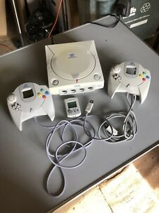 dreamcast console + 2 Controllers & 1 Vmu Working But Untested