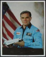 s1300) Shuttle Astronaut Karl Henize - NASA Photo JSCL-255 Autogramm Autograph