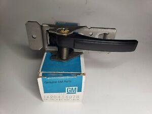 Genuine GM 20456978 Interior Door Handle