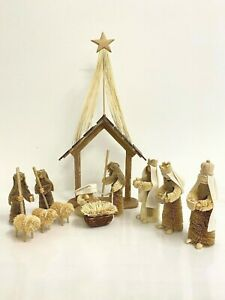 TRADITIONAL NATIVITY SCENE Christmas Handmade Decoration Holy Family Bristle