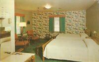 Terre Haute, INDIANA - Woodridge Motel - Interior -  ROADSIDE - 1956