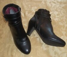 Womens LIFE STRIDE~BLACK ANKLE BOOTS~sz 10~NEW~YOYO Faux Leather Booties Zip Up