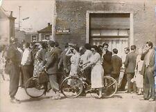 BELGIQUE 1956 - Attente des Familles Catastrophe Minière de Marcinelle - PR 478
