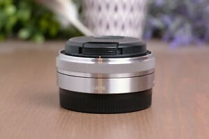 Sony 16mm f/2.8 Wide-Angle E Mount Lens SEL16F28 with Caps *BROKEN FOR PARTS*