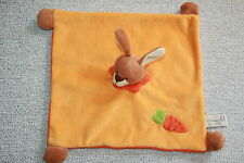 SOFT FRIENDS DOUDOU LAPIN PLAT ORANGE JAUNE COLLERETTE CAROTTE BRODE KOM9