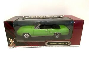 Road Signature 1970 Dodge Coronet R/T Convertible Green  1:18 Diecast