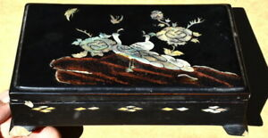 19th C. Antique Chinese Abalone Shell Inlay Black Lacquer Trinket Box