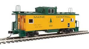 Walthers HO Scale International Wide-Vision Caboose Maine Central/MEC #658