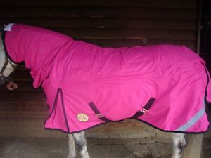 New Pink Mediumweight turnout combo rug with neck (600d/250 gram filling) 4'3