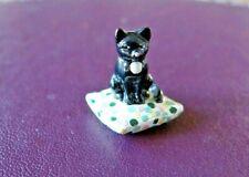 More details for hantel miniatures vm91 cat on a cushion