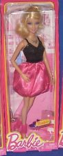 BARBIE COLLECTOR  FASHIONISTAS DOLL  BARBIE & FRIENDS BLONDE BARBIE DOLL