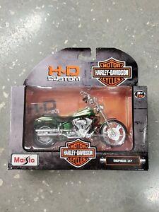 Harley-Davidson Motor Cycles HD custom MAISTO Series 37 2004 FXSTDSE CVO
