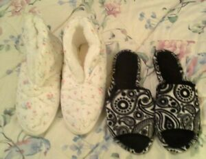 Vintage Pair of Dearform Botties and Slippers Size Large 8-10